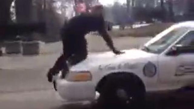 경찰차 올라간 사람의 최후
