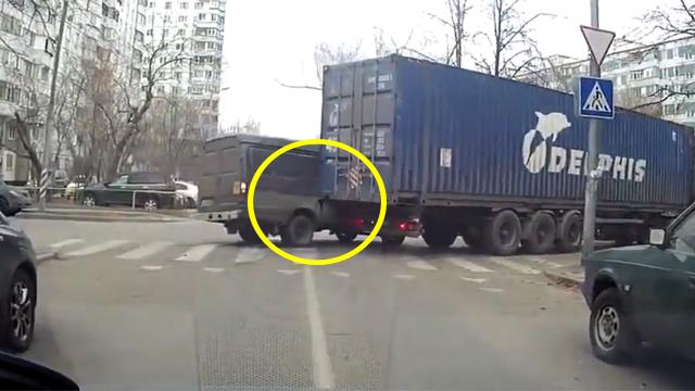 트럭 운전자 알면 기겁할 상황