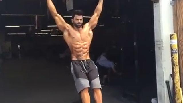 여름 준비하는 남자의 몸매