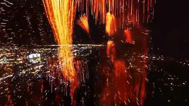 드론으로 촬영한 불꽃놀이