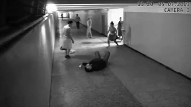 맨손으로 도둑 잡은 러시아 여자