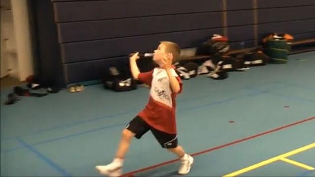 8살 꼬마의 배드민턴 훈련
