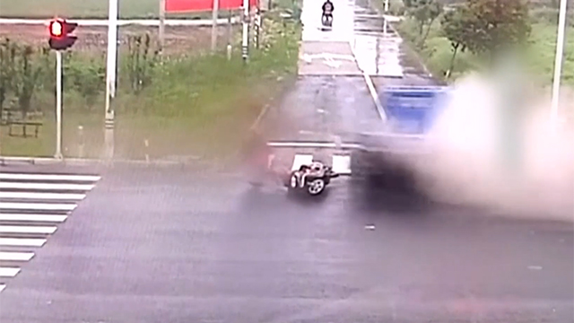 목숨을 살린 운전자의 반응속도