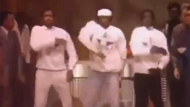 칼군무는 기본인 댄스 배틀 대회