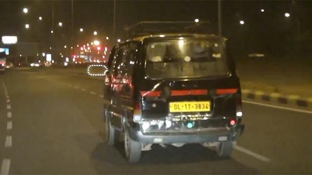 달리는 인도 택시에 없는 이것