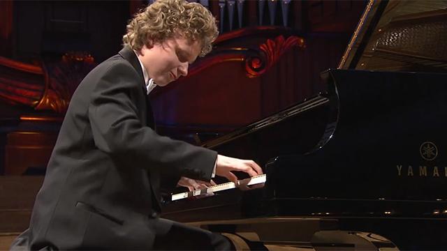 감탄사 나오는 피아노 연주 실력