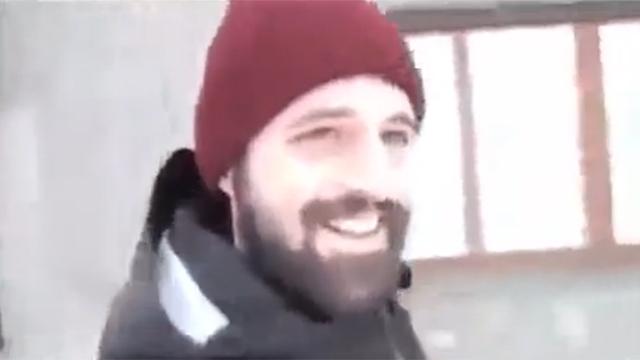 눈 오는 날 개랑 산책 가다가