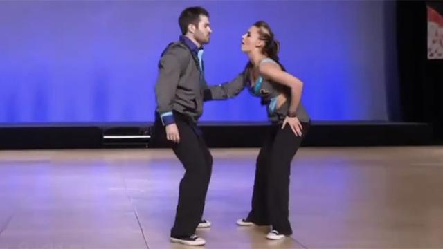 시선 강탈하는 커플의 힙합 댄스