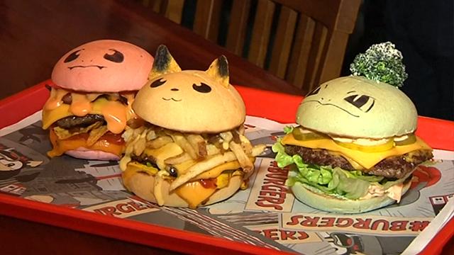 사진 먼저 찍어야 하는 햄버거