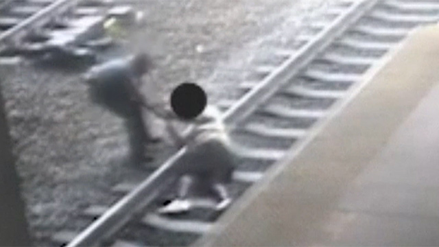 자살 시도하는 시민 구한 경찰